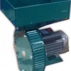 Moara 3, 4 CP electrica pentru macinat cereale cu 28 ciocanele