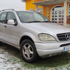 Mercedes ML 270 7 locuri, 2.7 CDI Diesel, an 2001, Motorina/Diesel, 120000 km, 2698 cmc, Clasa M