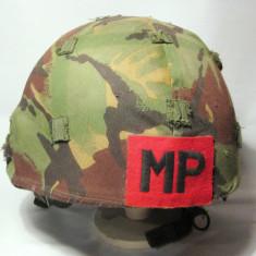 Casca militara britanica anii 90 Politia Militara cu camuflaj