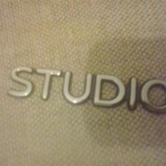 Sigla emblema - STUDIO - FORD - 100 x 21 mm - Embleme auto