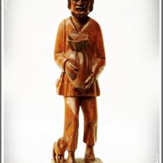 STATUETĂ VECHE SCULPTATĂ ÎN LEMN - ȚĂRAN LA SEMĂNAT - ATENT LUCRATĂ ÎN DETALIU! - Sculptura, Europa