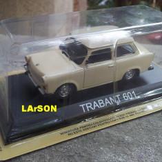 Macheta metal DeAgostini - Trabant 601 +revista Masini de Legenda nr.3, 1:43