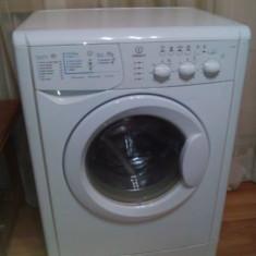 Masina de spalat rufe - Masini de spalat rufe Indesit