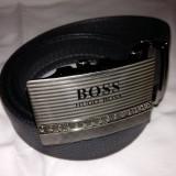 Curea H B negru pentru pantaloni, blugi, cu catarama metalica deosebita argintie - Curea Barbati Hugo Boss, Marime: Marime universala, curea si catarama