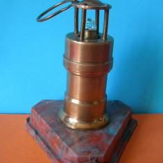 LAMPA DE MINA, MACHETA