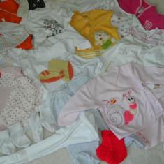 Lot haine bebe fetita 0-4 luni, Marime: Alta, Culoare: Multicolor