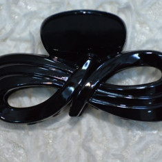 Cleste rafinat de par, nuanta maro sau negru, cu design de funda - Coronita