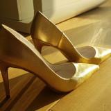 Pantofi stiletto noi piele aurie, superbi, brand Smiling Shoes, 38.5, toc 9 cm - Pantof dama, Culoare: Auriu