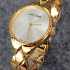 Ceas dama Guess CALVIN KLEIN CETEFIED ELITE GOLD-SUPERB-COLECTIE NOUA-CALITATEA 1 !!!, Fashion, Quartz, Placat cu aur, Rezistent la apa