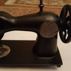 Masina de cusut - miniatura