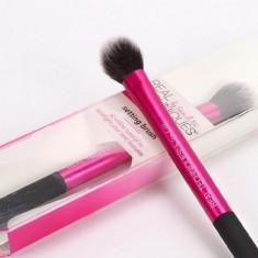 Pensula Machiaj Real Techniques pentru pudra / blush / iluminator