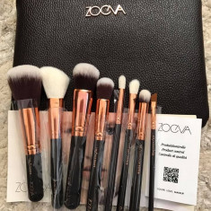 Set 8 pensule machiaj profesionale ZOEVA Rose Gold Brush Set - Pensula machiaj