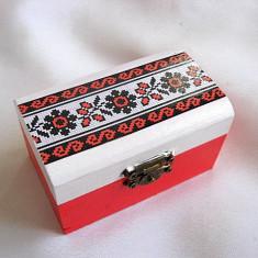 Cutie lemn cu motiv traditional 27886