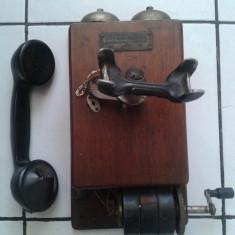 TELEFON DE PERETE CU MAGNETOU CUTIE DIN LEMN VECHI COLECTIE - Telefon fix