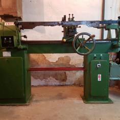 Strung de lemn automat cu dispozitiv de copiator, UNIFA