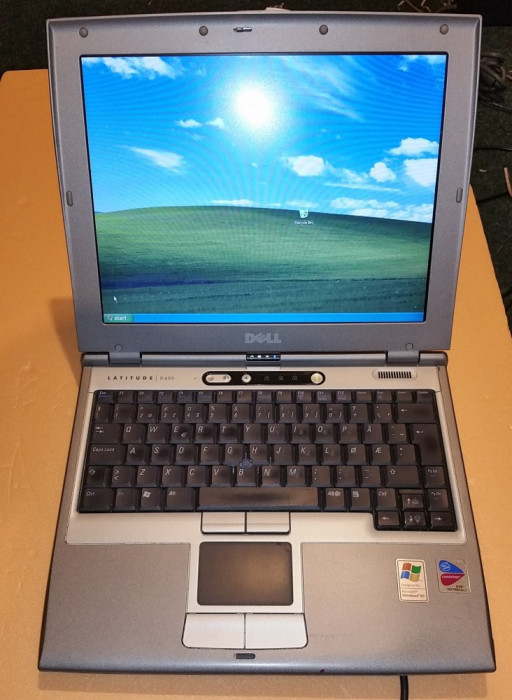 "Notebook Dell Latitude D400 12.1"" Intel Pentium M 1.8 GHz, HDD 60 GB, 1 GB RAM foto mare"