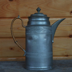 Carafa, cafetiera, ceainic din zinc realizat in stil bidermeier, datata 1885, Vase