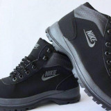 Bocanci Nike Mandara ! Negru - Bocanci barbati Nike, Marime: 36, 37, 38, 39, 40, 41, 42, 43, 44, Piele sintetica