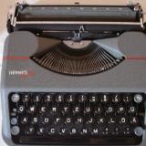 Masina de scris HERMES BABY (travel) made in Switzerland+banda noua de scris