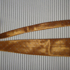 Cravata matase, originala YVES SAINT LAURENT, hand made, Culoare: Auriu, Geometric