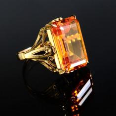 Inel statement din aur galben 18K decorat cu topaz natural - Inel aur