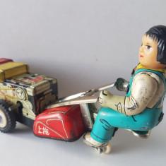 Jucarie veche de colectie din tabla, motor arc, masinuta / tractor MS 857 China - Jucarie de colectie