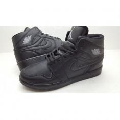 Ghete Nike Jordan - Ghete barbati Nike, Marime: 41, 43, Culoare: Negru, Piele intoarsa