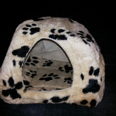 Culcus, casuta -iglu, din plus, pentru caini si pisici - Cusca, cotet, tarc si colivie