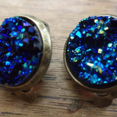 Cercei clips baza bronz -  imitatie de titanium drusy albastru