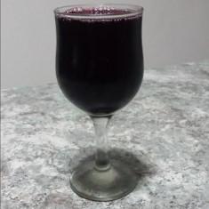 Vin rosu, natural de tara