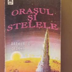 Orasul si stelele - Carte Horror