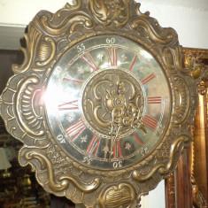 Un superb ceas de colectie din bronz cu 2 greutati in stare exceptionala - Pendula