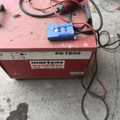 Incarcator AQ TRON aq48t80 de 48v si 80 AH (defect_)