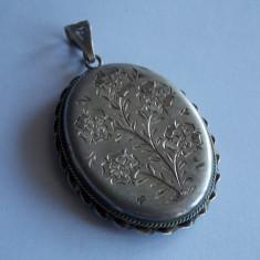 Pandant vintage de argint gravat manual -612