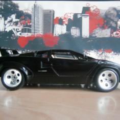 Macheta Lamborghini Cantach 1:18 - Macheta auto Bburago