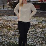 Bluza fashion nuanta bej cu luciu auriu, tricotata de toamna-iarna