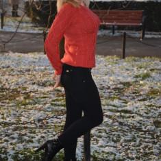 Pulover de dama de toamna-iarna, nuanta corai, cu model rafinat - Pulover dama