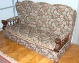 Canapea cu doua fotolii, masa si taburete, perioada anilor 1960