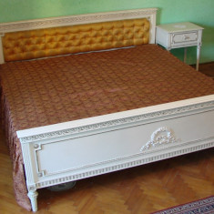 Dormitor din lemn masiv stil Ludovic fabricat la Arad anii 1950, Paturi si seturi dormitor, 1900 - 1949