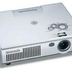 Videoproiector Panasonic PT-LM2E