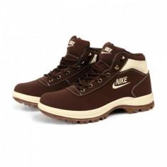Bocanci Nike Mandara - Bocanci barbati, Marime: 37, Culoare: Din imagine