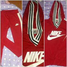 Trening dama Nike, Marime: L/XL, Culoare: Rosu