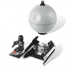 TIE Interceptor™ & Death Star™ (9676) - Echipament Airsoft