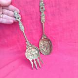 Furcultia si Lingura din bronz  - Decor !!!, Ornamentale