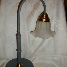 LAMPA / VEIOZA METALICA CU ABAJUR DIN STICLA