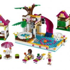 Strandul orasenesc din Heartlake (41008) - LEGO Friends