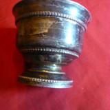 Cupa mica metal argintat , h= 5,5 , d= 6,8 cm