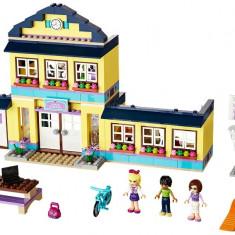 Liceul Heartlake (41005) - LEGO Friends