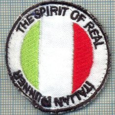 238 -EMBLEMA SPORTIVA - ITALIAN RUNNER-THE SPIRIT OF REAL -starea care se vede