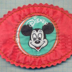 259 -EMBLEMA DISNEY -MICKEY MOUSE -starea care se vede